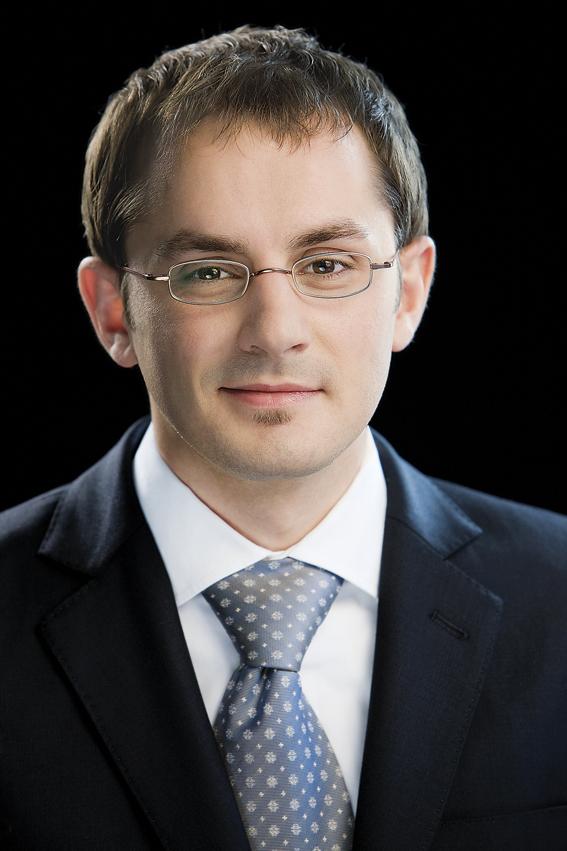 20-21 Dr. Fabian EuhusWEB