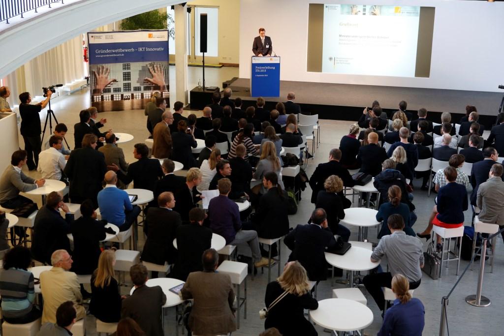 Stefan Schnorr Abteilungsleiter IT- Kommunikations- und Postpolitik BMWi