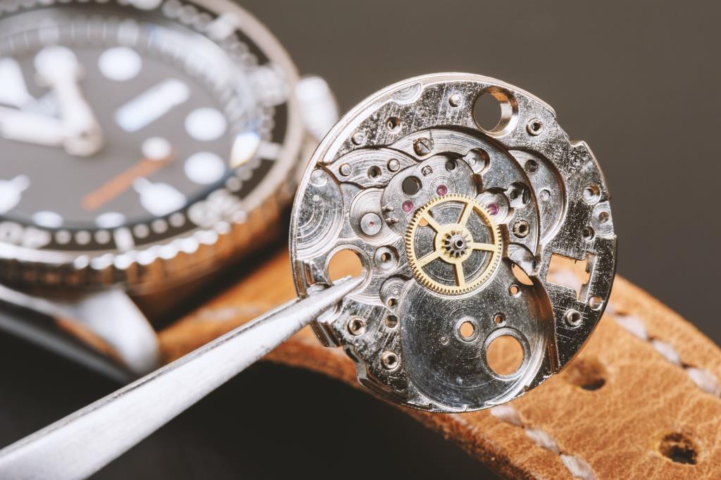 Der britische Finanzinvestor CVC Capital Partners übernimmt die Mehrheit am Schweizer Luxusuhrenhersteller Breitling.