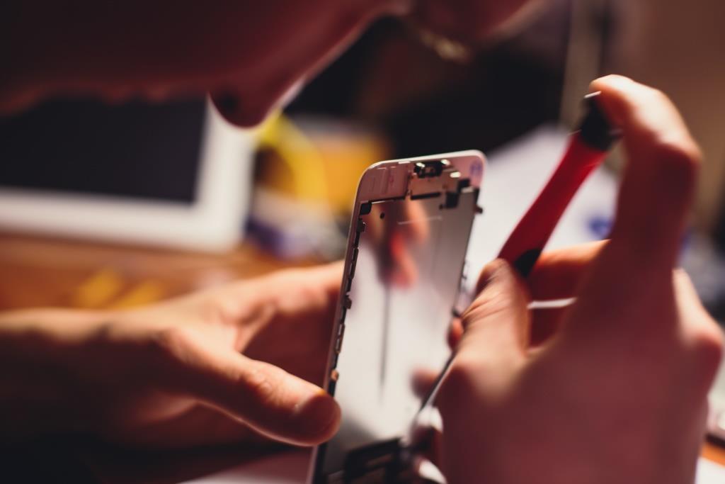 Das Stuttgarter Smartphone-Reparatur-Start-up Reparando sichert sich einen siebenstelligen Betrag in einer Series A-Finanzierungsrunde.
