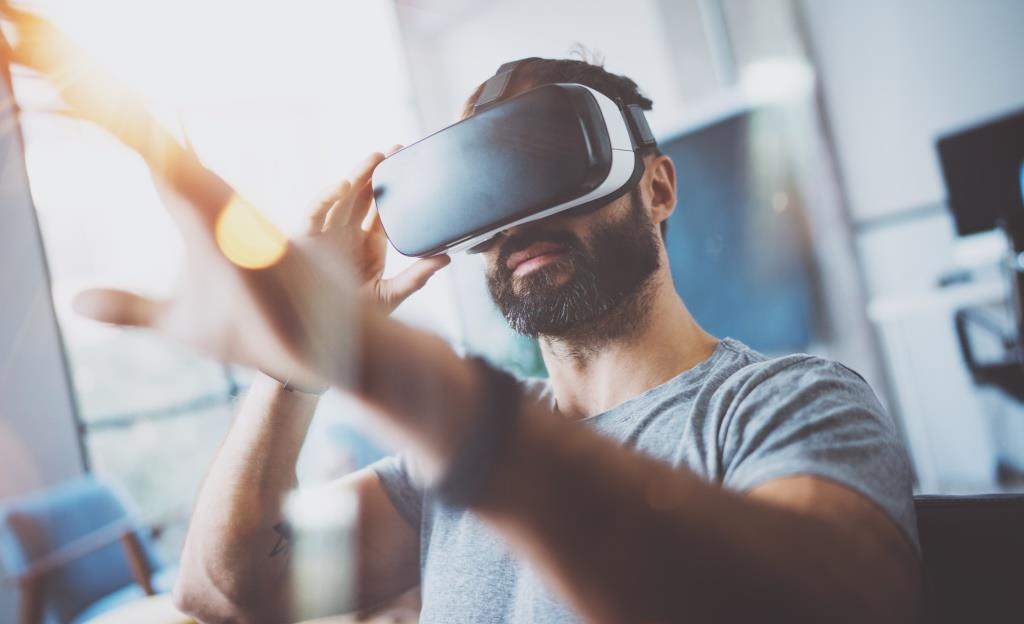 Die Bayerische Beteiligungsgesellschaft BayBG steigt zusammen mit Vito Ventures mit 1,3 Mio. EUR beim Virtual Reality-Entwickler vr-on ein.