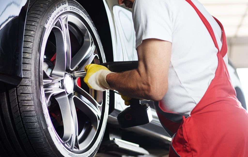 Das Berliner Autowerkstatt-Start-up Caroobi erhält eine Millionenfinanzierung von BMW i Ventures, DN Capital und Cherry Ventures.