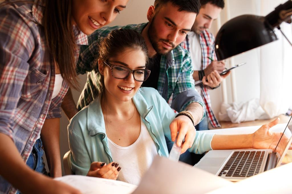 Potenzielle Gründerinnen und Gründer können ihre Vorhaben ab März 2018 mit Hilfe einer neuen Gründerplattform von BMWi und KfW Bankengruppe kostenlos entwickeln.