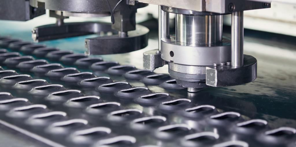 Der Schweizer Investor CGS steigt beim mittelständischen Stanzmaschinenbauer schoen + sandt machinery ein.