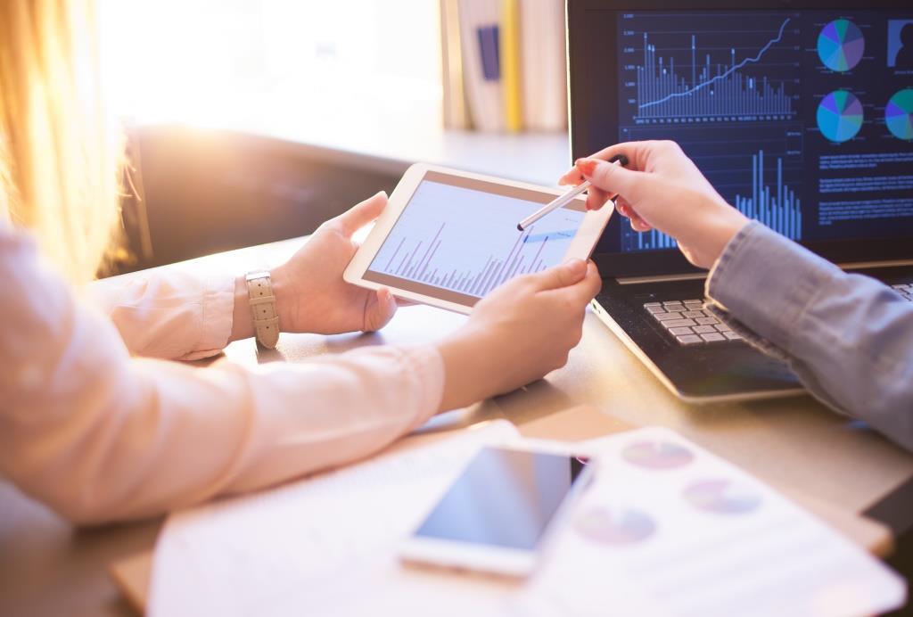 Die Hannover Finanz Gruppe steigt beim Hamburger Softwareanbieter CP Corporate Planning AG im Rahmen einer Nachfolgeregelung als neuer Mehrheitsgesellschafter ein.