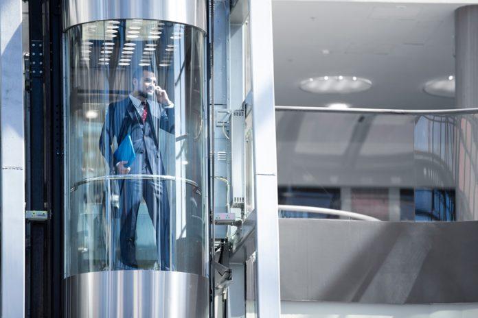 Zuschlag für Private Equity-Konsortium: Thyssenkrupp verkauft sein Aufzuggeschäft für 17,2 Mrd. EUR