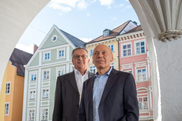 Roman Huber (links) und Dr. Georg Ried