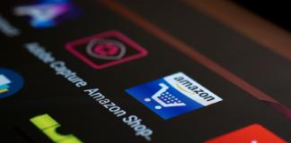 Über Amazon FBA kann ein Händler sein Geschäft von überall auf der Welt aus komfortabel verwalten